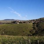 Le village, au milieu des montagnes